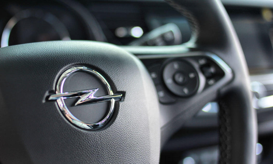 Logo Opel, kierownica Opel Insignia II