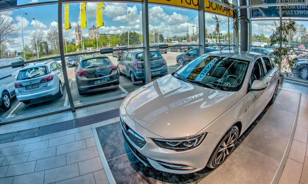Nowy Opel Insignia Grand Sport w salonie w Łodzi