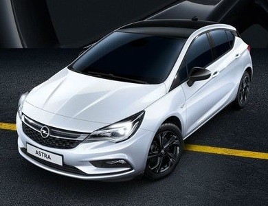 Opel Astra Hatchback Black Edition