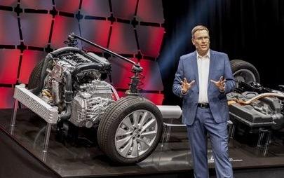 uż można zamawiać w Polsce: Opel Grandland X Hybrid4 z napędem na wszystkie koła