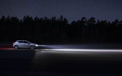 Niech stanie się światłość: inteligentna jazda z innowacyjnymi reflektorami Opla