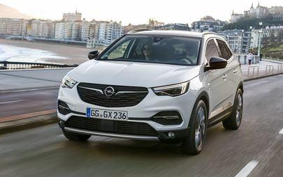 """Bezpieczeństwo dla wszystkich: Opel Crossland X edycja """"120 lat"""" kontynuuje tradycję"""