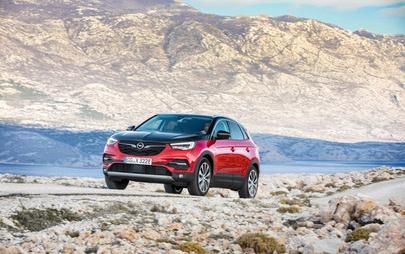 Opel kontynuuje elektryczną ofensywę: 8 zelektryfikowanych modeli do 2021 r.
