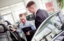 Sprzedaż nowego samochodu marki Opel w Autoryzowanym Salonie Opla
